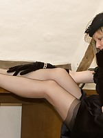 vintage flashing for glamour babe - Vintage Milfs