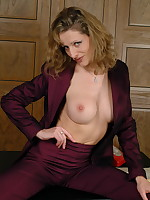 Naughty pantymom Kerry shows it all - Granny Girdles